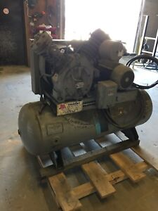Compressor with air tank