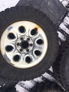 """Tires truck-winter studded on rims 245-70R17.   17""""."""