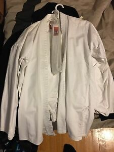 Uniforme Tae Kwon Do / Karate taille 4/180 NEUF !!!