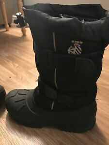 Youth winter boots size 5