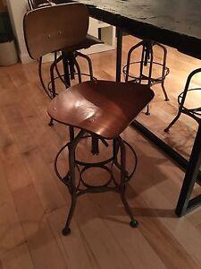 Ensemble de table et stools