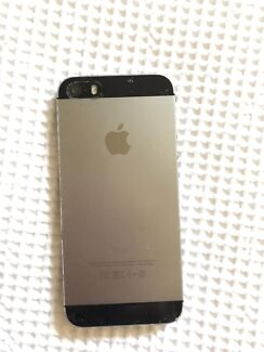 Apple iPhone 5S - 16GB - space grey colour