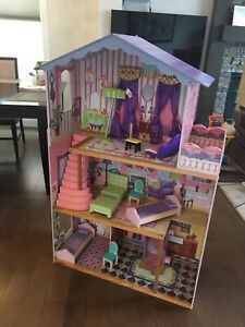 Huge doll house with accessories
