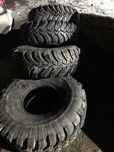 38/15.5/15 Like new Interco Ground Hawg II Mud tires