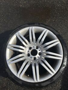 "19"" BMW M tires and rims"