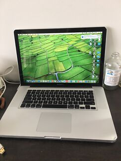 MacBook Pro 15 inch early 2011 - i7