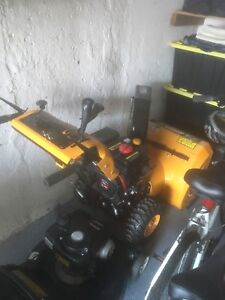Snow Blower For Sale (used 1 season)