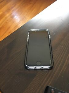 Iphone 7 + gear4 case + tempered glass