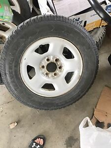 Set of 6 bolt 135mm rims and tires