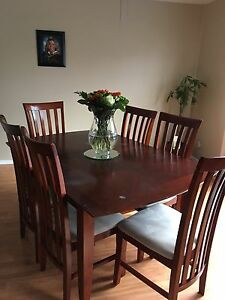 7 Piece Dining Set - Table and 6 chairs