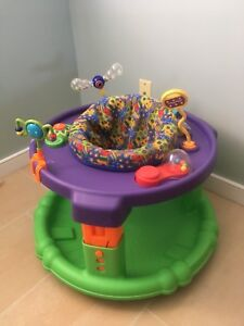 Baby containment device