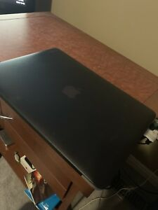 Great Condition 2013 Macbook Air *8GB RAM 500GB Hard Drive*