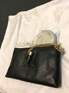Micheal Kors - leather purse - brand new