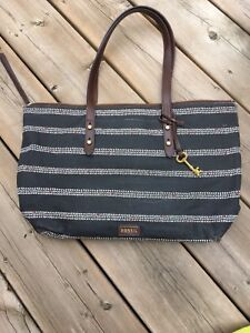 FOSSIL* gorgeous summer tote bag gently used