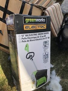 """Green works electric snow removal 12"""" 8A"""
