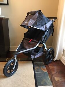 BOB Revolution Stroller + Rain Shield + Travel Bag