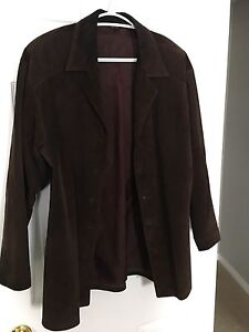 DANIER SUEDE WOMENS JACKET-SIZE MEDIUM!