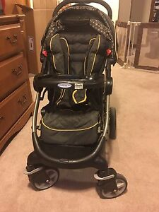 Graco snugride classic connect travel system