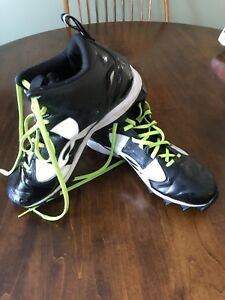 Size 11 Under Armour Football Cleats