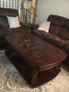 Beautiful Coffee Table ** STUNNING CONDITION**