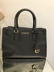 Michael Kors bag, like new. No scratch, no defect.