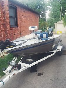 16ft Boat - Great Condition with new motor