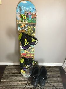 Snowboard 135cm and Boots (size 6)