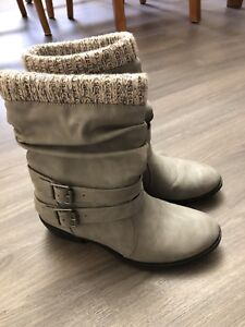 Grey winter boots size 6.5