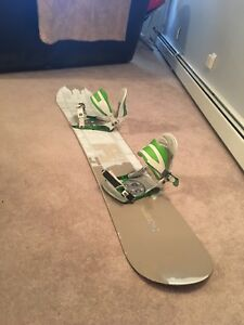 JP Walker 154 Snowboard + Ride bindings