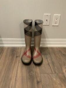 FOR SALE: AUTHENTIC LADIES Burberry Rainboots