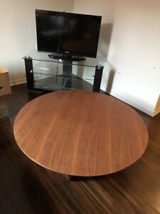 Solid wood round table mobilia
