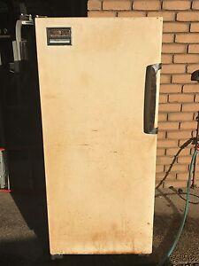 Kelvinator Freezer 320 Leopold Geelong City Preview
