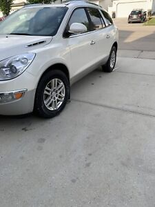 Mint condition 2009 enclave awd loaded