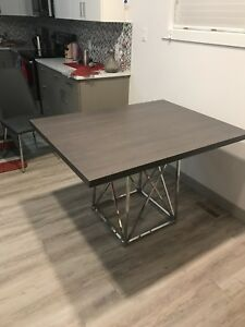 Brand new table 3ftx4