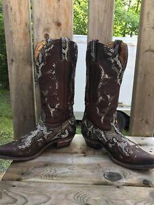 REAL SNAKE SKIN WESTERN/COWBOY BOOTS.