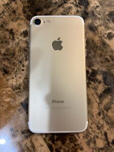 iPhone 32GB Gold Telus in good condition