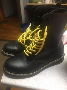 Martin boots doc's unisex
