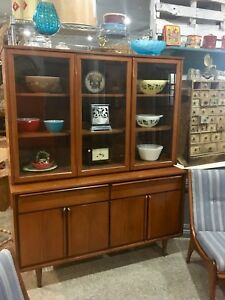 MID CENTURY MODERN CHINA HUTCH $850