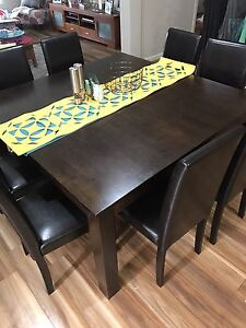 8 seater dining table Mernda Whittlesea Area Preview