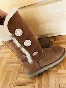 UGG 8 presque neuf / almost new