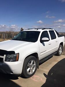 2008 Avalanche 127k $500.00 cash back