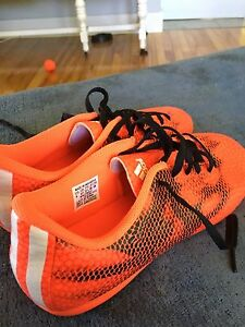 Soccer cleats - youth size 5.(boys)