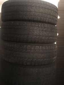 4-225/65R17 Bfgodrich winter tires