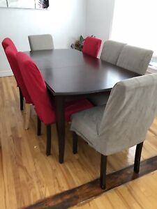 Dining table with 6 chaires