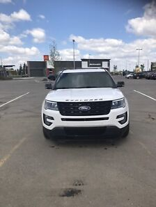 2017 Ford Explorer Sport - Winter Tires included