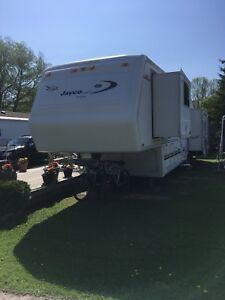 Jayco Designer 3610 with 3 tip outs