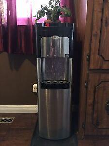 Bottom Load Water Dispenser