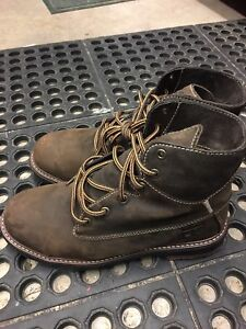 """6"""" womens work boots size 7"""