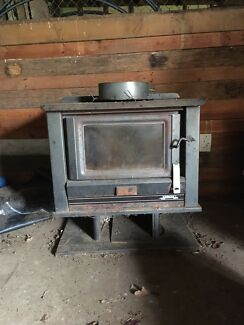 Wood heater/potbelly/ coonara