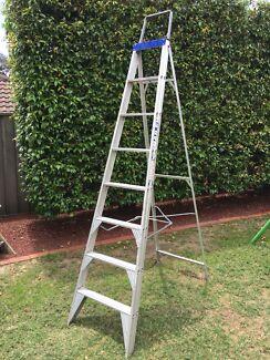Bailey 2.4m Aluminium Step Ladder